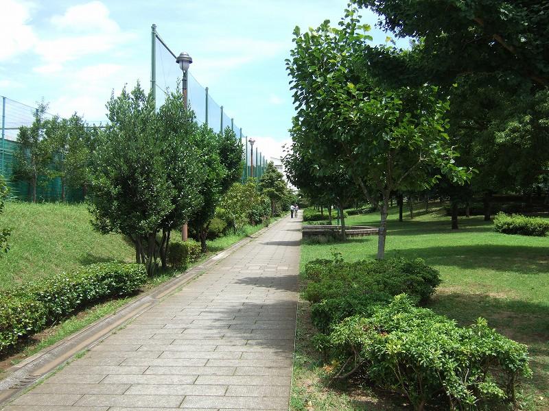 自転車の 自転車 千葉ニュータウン : 現場の公園は正式名称は「草深 ...